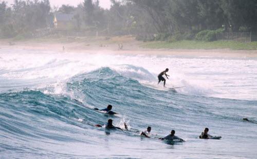 Những bãi biển nguy hiểm nhất thế giới - 1