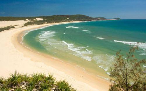 Những bãi biển nguy hiểm nhất thế giới - 2
