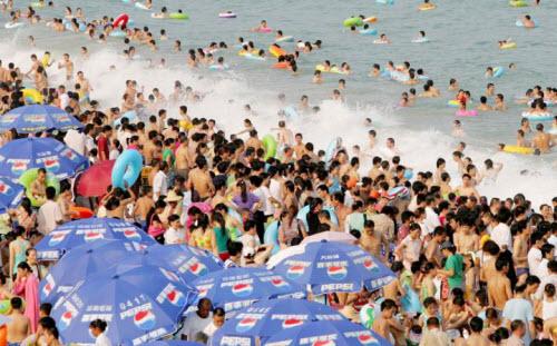Những bãi biển nguy hiểm nhất thế giới - 5