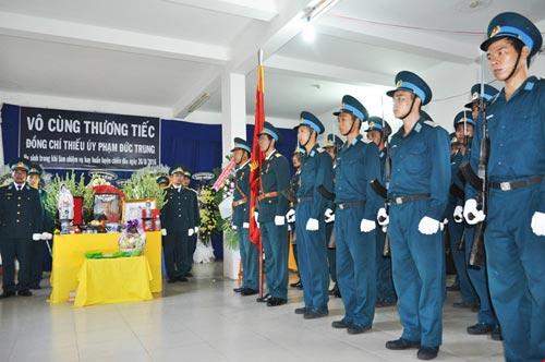 Vĩnh biệt Thiếu úy phi công Phạm Đức Trung - 2
