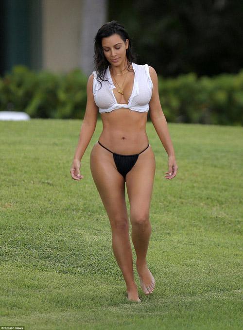 """""""Chết ngất"""" vì mốt bikini kín trên, hở dưới của cô Kim - 4"""