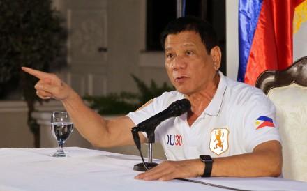 """Tổng thống Philippines: Kẻ """"khùng"""" hay vị cứu tinh? - 1"""