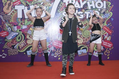 """""""Soái ca nhí"""" Idol Kids được cổ vũ khi hát hit của Sơn Tùng - 2"""