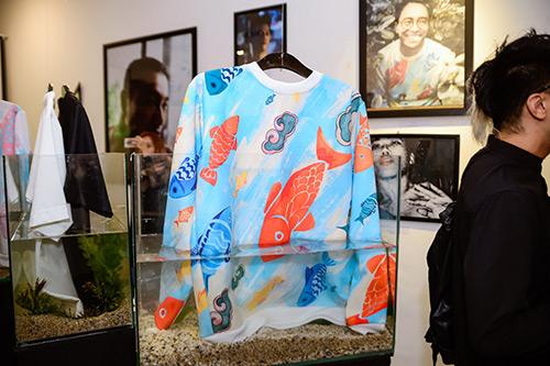 Chân dài Trang Khiếu ngâm váy áo trong… bể cá - 11