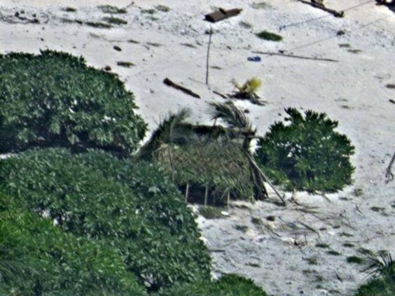 Lạc trên hoang đảo 7 ngày, thoát nhờ gửi tín hiệu thô sơ - 3