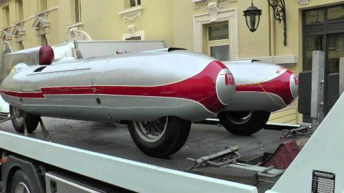 """""""Kinh hoàng"""" xe hơi kiểu ngư lôi có tốc độ gần 300 km/h - 10"""