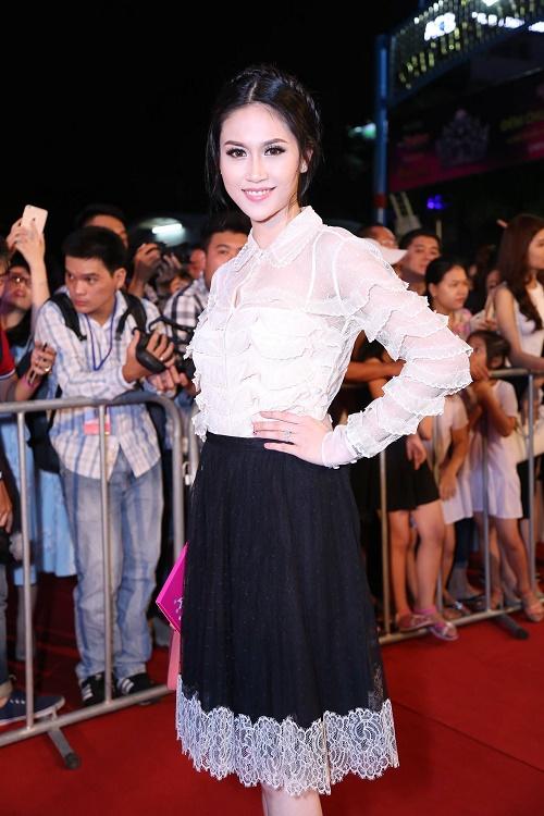 Sao Vbiz nô nức đổ về thảm đỏ Chung kết Hoa hậu VN - 2