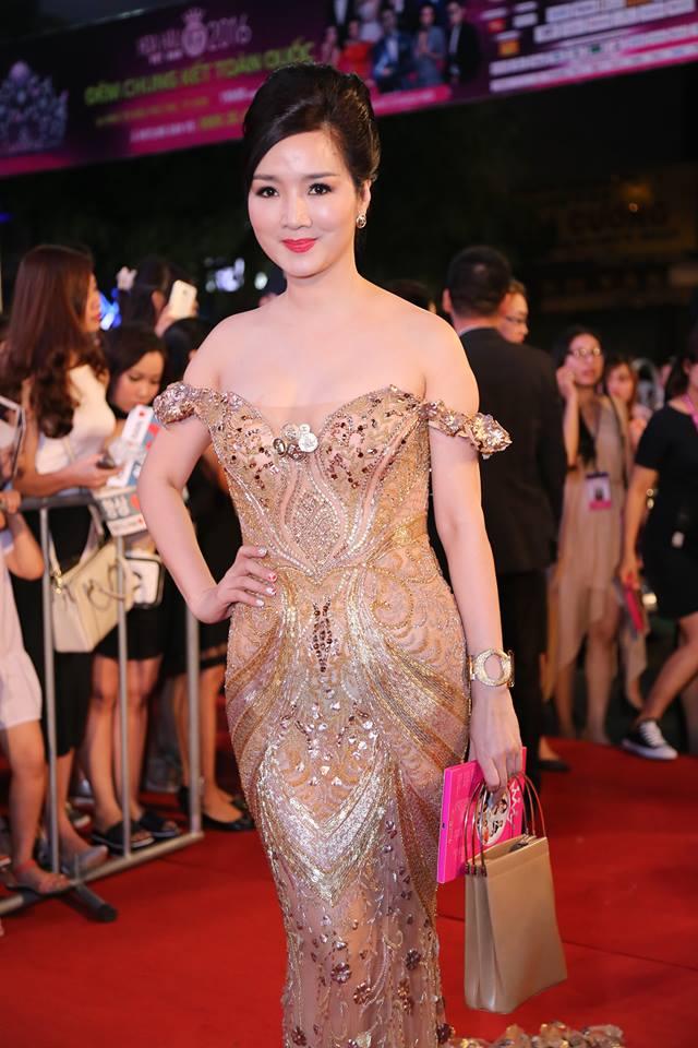 Sao Vbiz nô nức đổ về thảm đỏ Chung kết Hoa hậu VN - 7