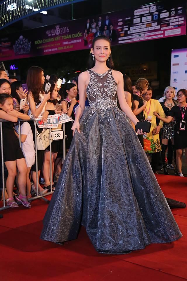 Sao Vbiz nô nức đổ về thảm đỏ Chung kết Hoa hậu VN - 8