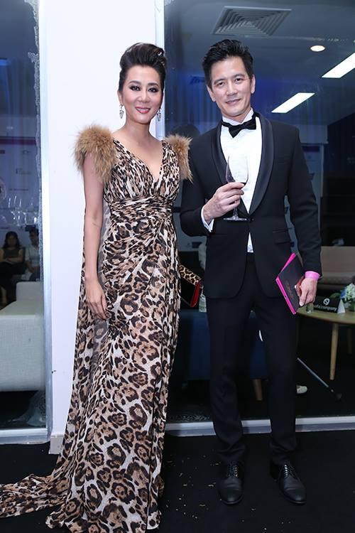Sao Vbiz nô nức đổ về thảm đỏ Chung kết Hoa hậu VN - 9