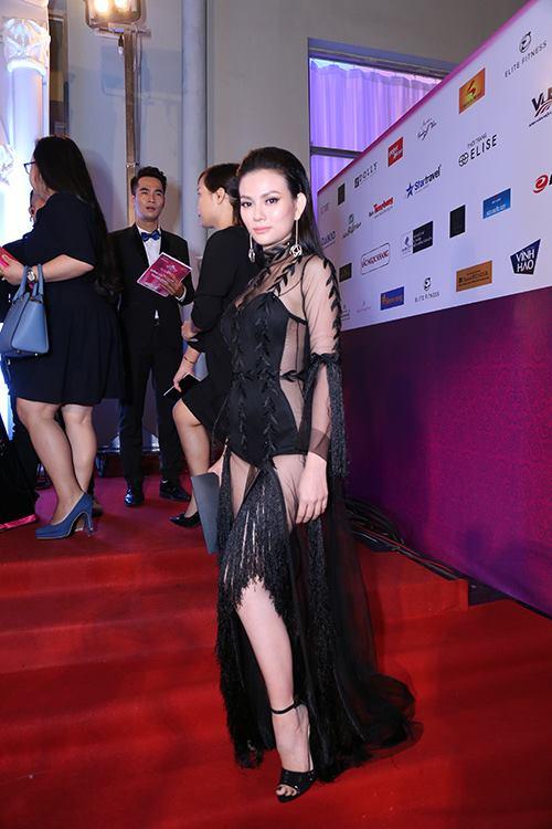 Sao Vbiz nô nức đổ về thảm đỏ Chung kết Hoa hậu VN - 10