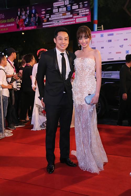 Sao Vbiz nô nức đổ về thảm đỏ Chung kết Hoa hậu VN - 26