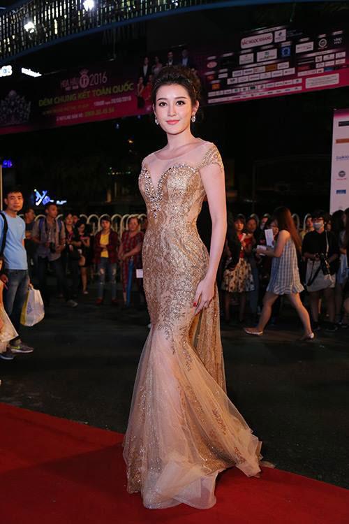 Sao Vbiz nô nức đổ về thảm đỏ Chung kết Hoa hậu VN - 27