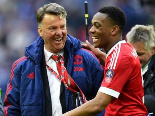 MU: Có thêm thời gian, Van Gaal không thua gì Mourinho - 1