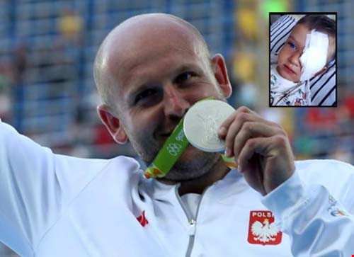 Nghĩa cử cao đẹp của á quân Olympic - 1
