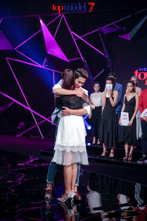 Cặp đôi đẹp của Next Top vừa thân thiết đã bị chia xa - 17