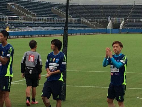 Tuấn Anh lần đầu tiên đá chính, Yokohama thắng đậm - 1