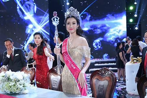 Tân Hoa hậu VN không bận tâm vì bị so sánh với 2 á hậu - 3
