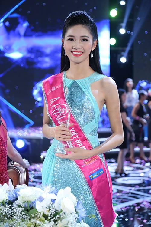 Tân Hoa hậu VN không bận tâm vì bị so sánh với 2 á hậu - 4