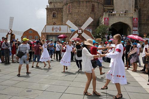 Say men Bà Nà Hills trong lễ hội bia B'estival - 3