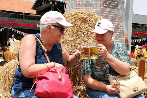 Say men Bà Nà Hills trong lễ hội bia B'estival - 9