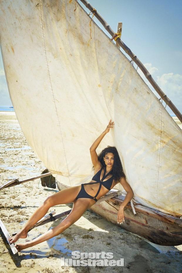 Cựu thiên thần Victoria's Secret tái xuất đầy gợi cảm - 11