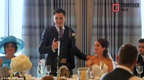 Thầy giáo nhờ học sinh gây bất ngờ trong ngày cưới - 1