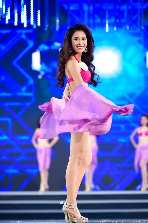 """Trọn bộ ảnh bikini """"nét căng"""" tại Chung kết Hoa hậu VN - 23"""
