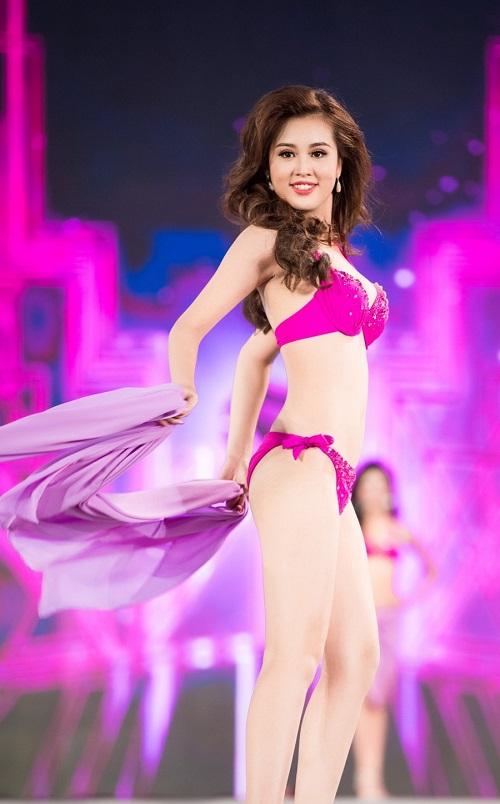 """Trọn bộ ảnh bikini """"nét căng"""" tại Chung kết Hoa hậu VN - 25"""