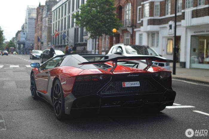 """Lamborghini Aventador LP 720-4 """"cực độc"""" trên đường phố London - 4"""