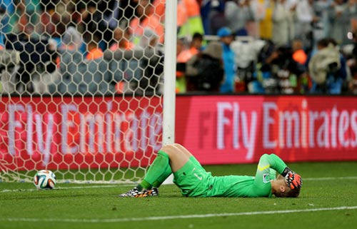 Thủ môn Barca: Hay chuyền hỏng, bắt penalty tồi - 2
