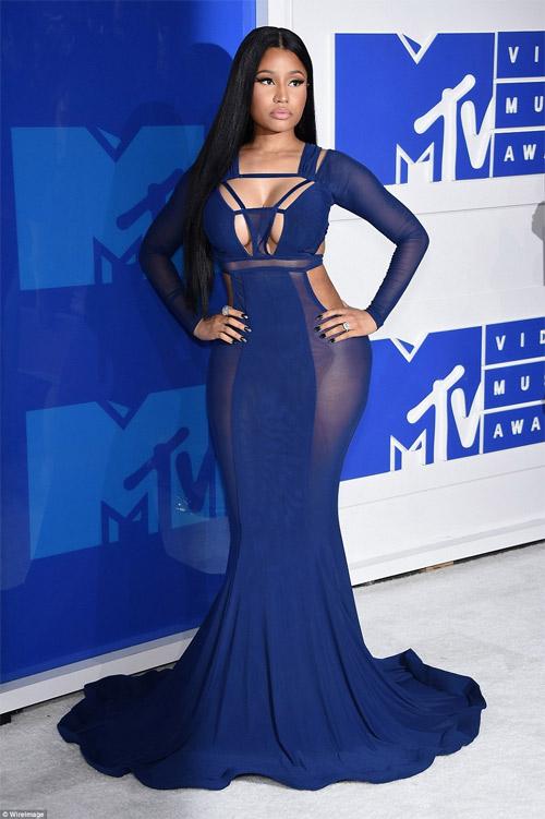 Beyonce nổi nhất thảm đỏ VMA với váy mỏng như sương - 5