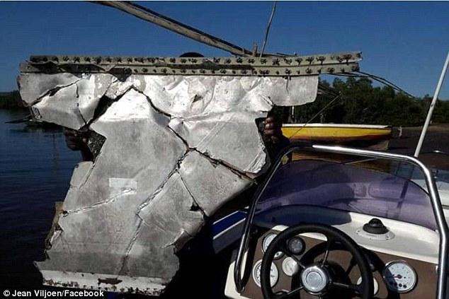 Tìm thấy mảnh vỡ rạn nứt của MH370? - 2