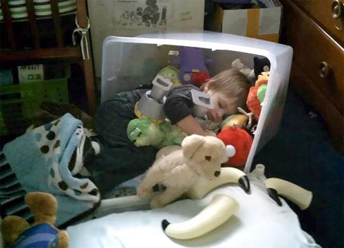 Giấc ngủ không quy củ vẫn siêu dễ thương của con trẻ - 2