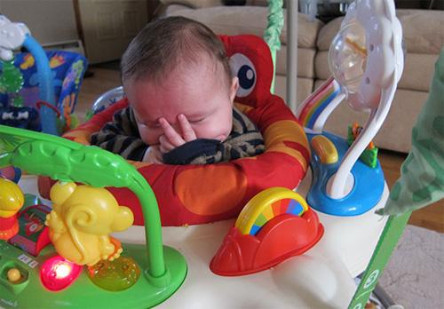 Giấc ngủ không quy củ vẫn siêu dễ thương của con trẻ - 3