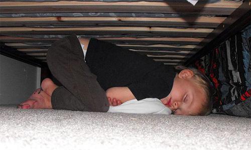 Giấc ngủ không quy củ vẫn siêu dễ thương của con trẻ - 4