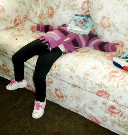Giấc ngủ không quy củ vẫn siêu dễ thương của con trẻ - 6
