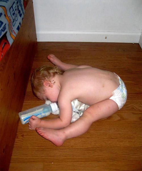 Giấc ngủ không quy củ vẫn siêu dễ thương của con trẻ - 7