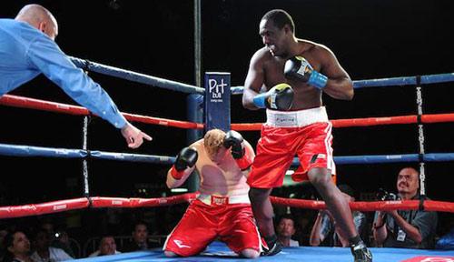 Boxing: Giáo viên tiểu học bất bại 14 trận, 13 knock-out - 1