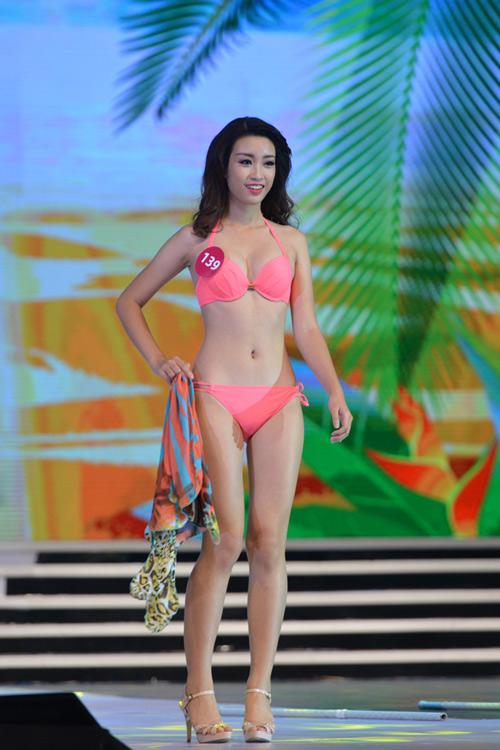 Ngây ngất với ảnh bikini sexy của tân hoa hậu Việt Nam - 6