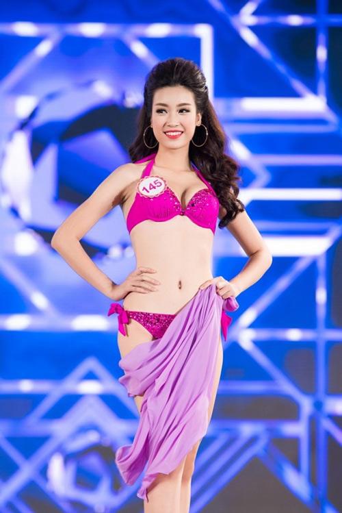 Ngây ngất với ảnh bikini sexy của tân hoa hậu Việt Nam - 12