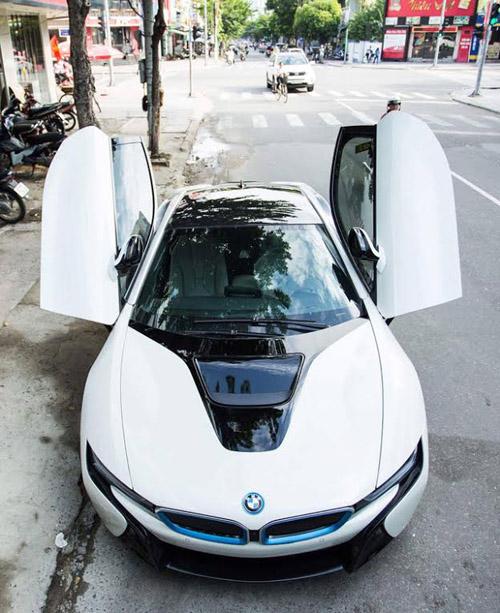 Đà Nẵng: Chồng tặng BMW i8 cho vợ làm quà sinh nhật - 2