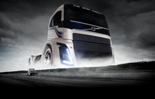 """Xe tải """"Hiệp sĩ sắt"""" Volvo nhanh như Porsche 911 - 3"""
