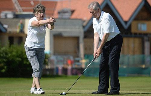 """Kinh ngạc: Golfer mù & cú """"hole in one"""" sau 3 thập kỷ - 1"""