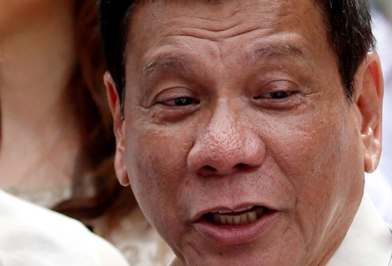Philippines: Tố cảnh sát tham nhũng, nhận 43.000 USD - 3