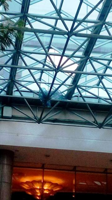 Rơi từ trên cao, nam công nhân tử nạn trước khách sạn - 2