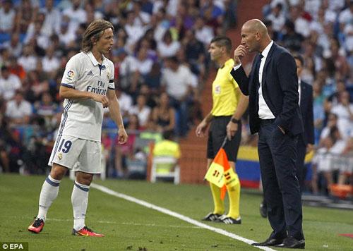 Zidane tiệm cận kì tích: Trên con đường huyền thoại - 2