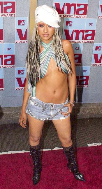 """Điểm lại những bộ trang phục """"điên rồ"""" nhất VMAs các năm - 7"""