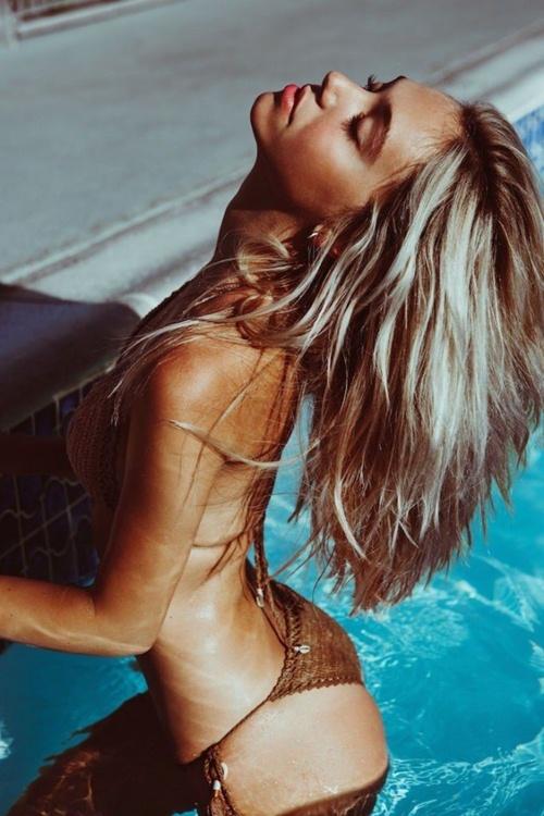 """Cô nàng soán ngôi """"nữ hoàng bikini"""" của Hailey Baldwin - 11"""