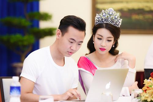 Hoa hậu Đỗ Mỹ Linh thướt tha với áo dài đính ngọc trai - 3